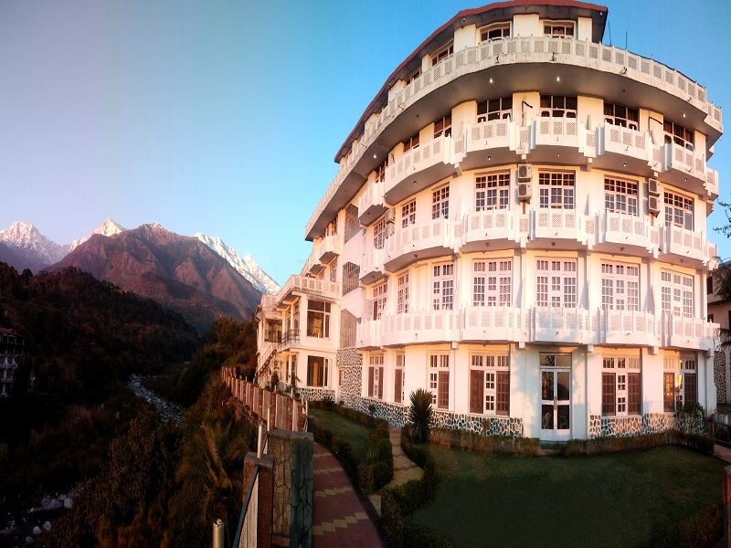 Hotel Vatika - The Riverside Resort Dharamsala